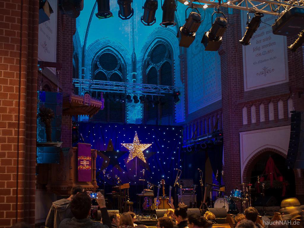 Goldener Stern am Firmament der Kulturkirche Köln